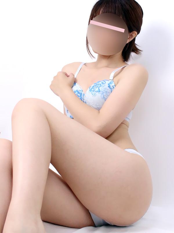 鶯谷手コキ&オナクラ 世界のあんぷり亭 きゃりー