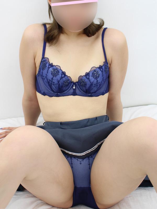 新橋手コキ&オナクラ 世界のあんぷり亭 ふみ